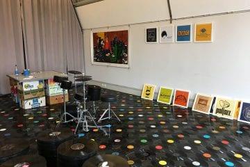"""PopRat Saarland und Historisches Museum Saar präsentieren zum """"Colors of Pop"""": """"Im Plattenland – Vinyl ist Kunst!"""" von OW Himmel"""